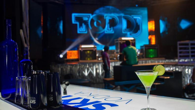Bruno Meets The Dj | Il trofeo alcolico 2.0 di Manuel Rotondo