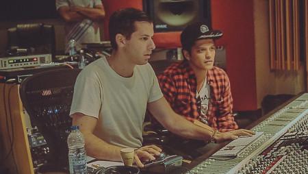 Ferma tutto e ascolta il nuovo di Mark Ronson con Bruno Mars