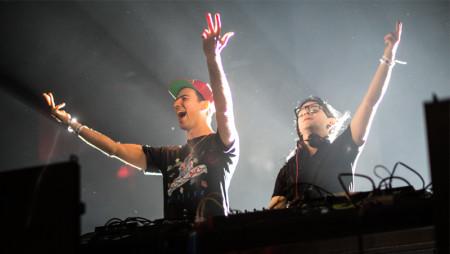 Skrillex torna alle origini con Boys Noize: il ritorno dei Dog Blood!