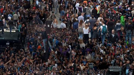 La folla dei Festival EDM vista dall'alto, anzi dall'altissimo [FOTO]