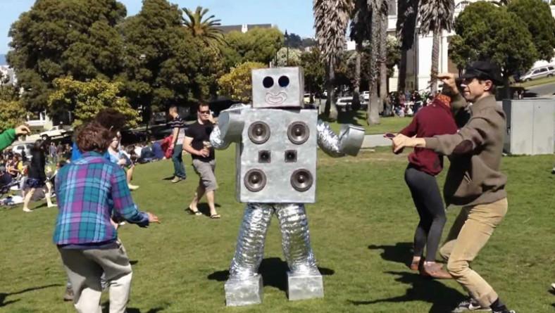 Una playlist lunga come il ponte del primo maggio: balla e sii felice!