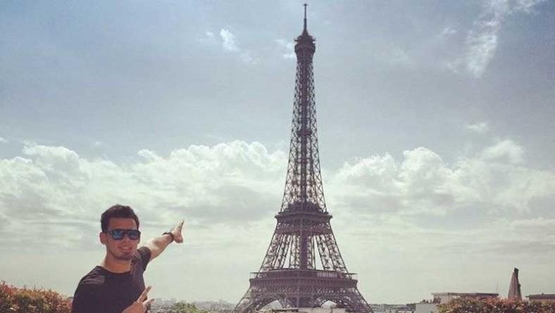 """Afrojack chiede aiuto ai suoi fan: """"Fatemi toccare la Tour Eiffel"""""""
