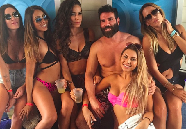 Dan Bilzerian spenderà più di 650k dollari all'Electric Zoo