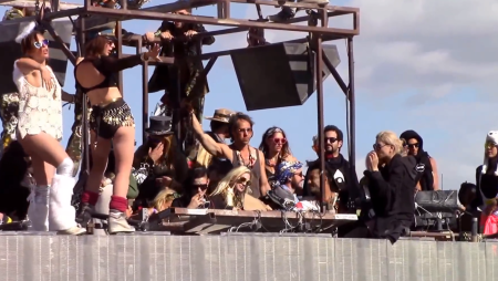 Guarda il secret dj set (house) di Skrillex al Burning Man