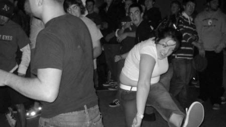 Finalmente la scienza spiega perché c'è gente che non sa ballare