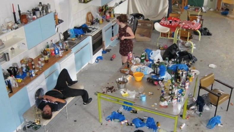 The Day After: gente che pensa di far festa e invece…