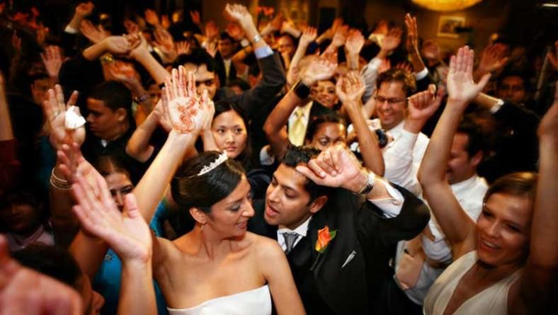 Sopravvivere al party di nozze: come arrivare ancora intatti al dj set